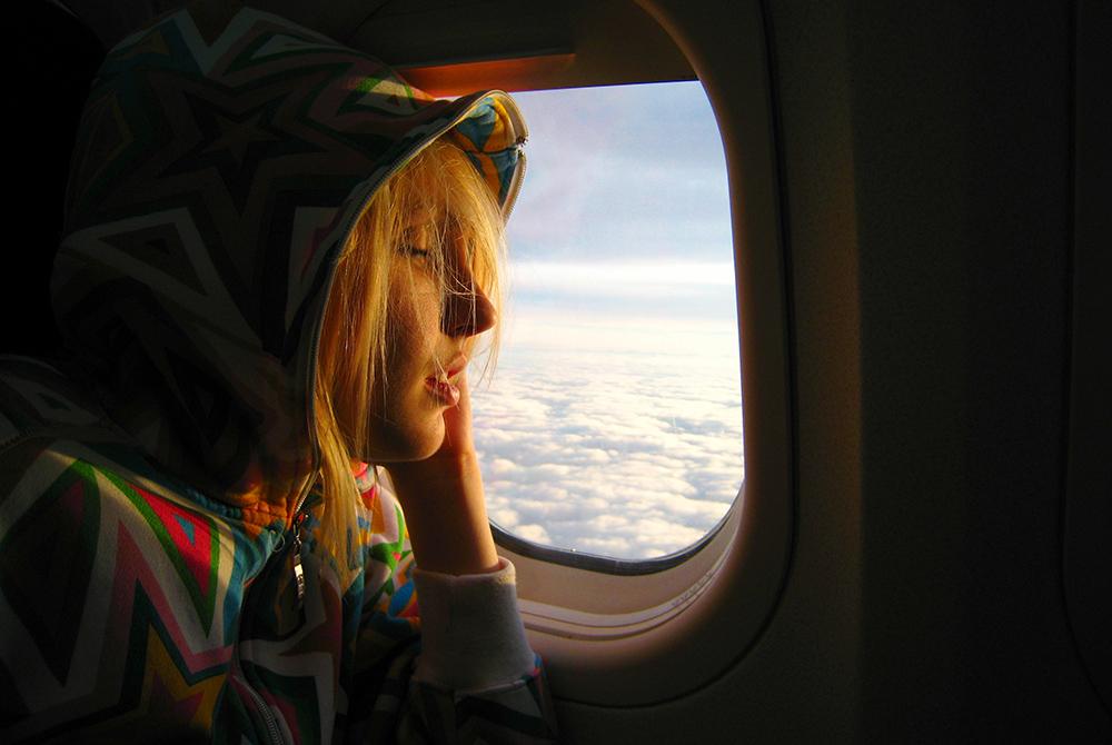 yH5BAEAAAAALAAAAAABAAEAAAIBRAA7 - 4 điều cần chuẩn bị cho những chuyến bay dài
