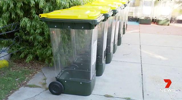"""bins2 - Thùng rác """"trong suốt"""" lần đầu tiên được áp dụng tại Úc"""