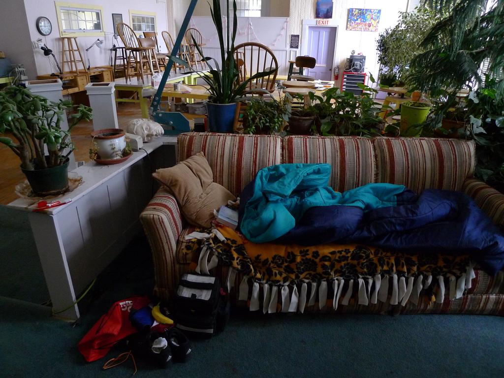 couchsurfing - 22 mẹo tiết kiệm tiền hay ở Úc