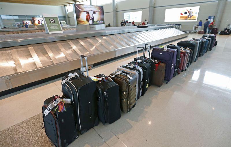 2 3 - Hãng hàng không Qantas xem xét tính phí bữa ăn, giải trí và hành lý ký gửi của hành khách