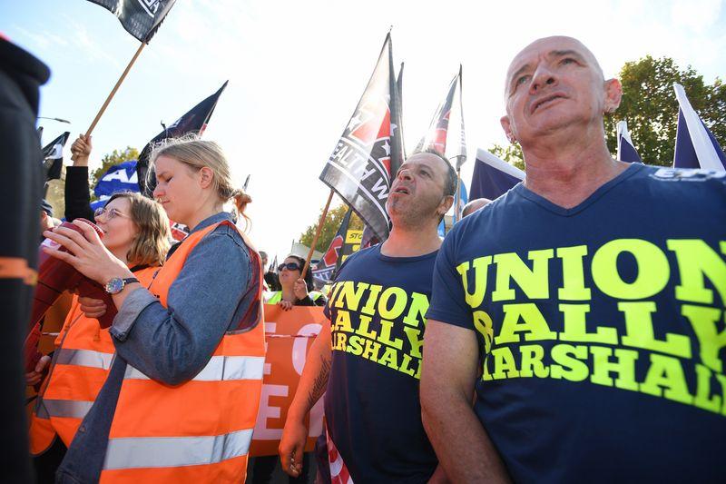 20180509001344883887original - Công nhân Victoria biểu tình đòi tăng lương