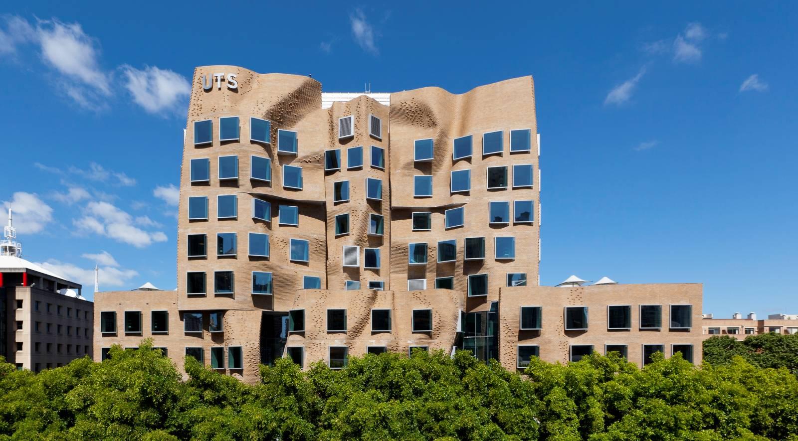 Dr Chau Chak Wing Building by Frank Gehry 00 - 10 tòa nhà đẹp nhất ở Sydney