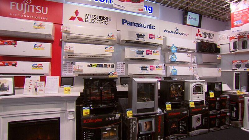 Lo ngại tiền điện tăng khi mùa đông đến - Hot: Cách tiết kiệm tiền điện khi sử dụng lò sưởi trong mùa đông