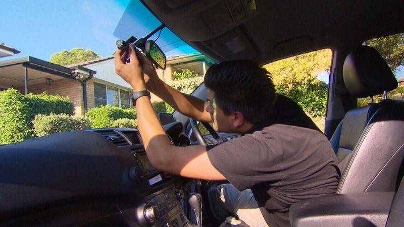 TomTom LINK 532 - Một thiết bị mới giúp phụ huynh giám sát con trẻ lái xe từ xa
