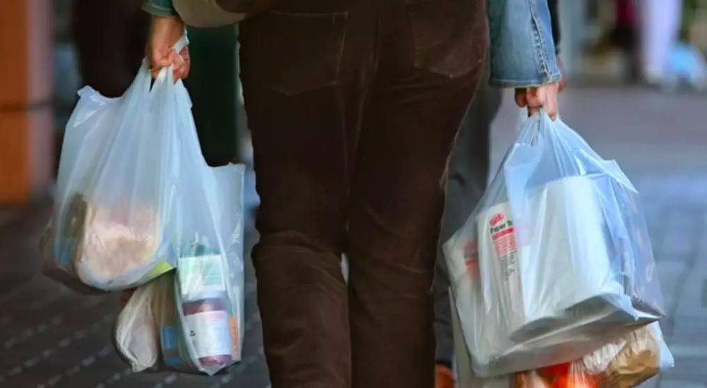 Ảnh chụp Màn hình 2018 06 04 lúc 22.27.59 - Hai siêu thị Coles và Woolworths tiếp tục đẩy mạnh chiến lược giảm thiểu túi nilon