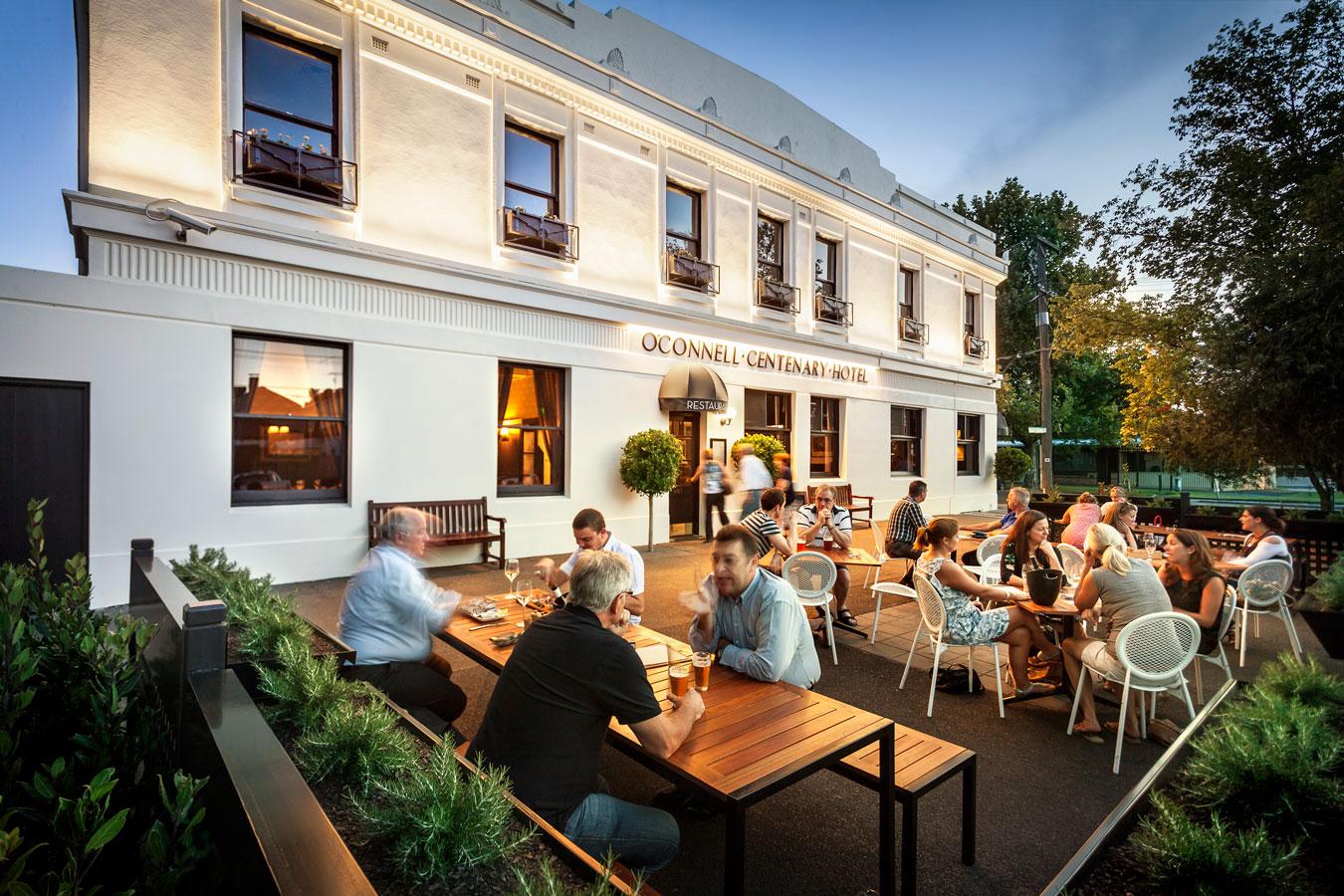 O'Connell's Nam Melbourne - 10 quán café và nhà hàng ấm áp nhất Melbourne