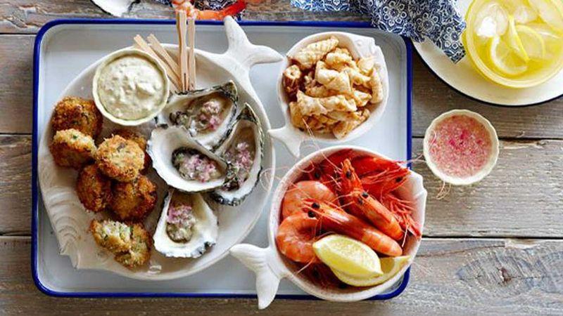 http 2F2Fprod.static9.net .au2F 2Fmedia2F20172F122F192F222F272FParty seafood platter - Nghiên cứu mới: Ăn nhiều hải sản giúp tăng ham muốn và tỷ lệ thụ thai!