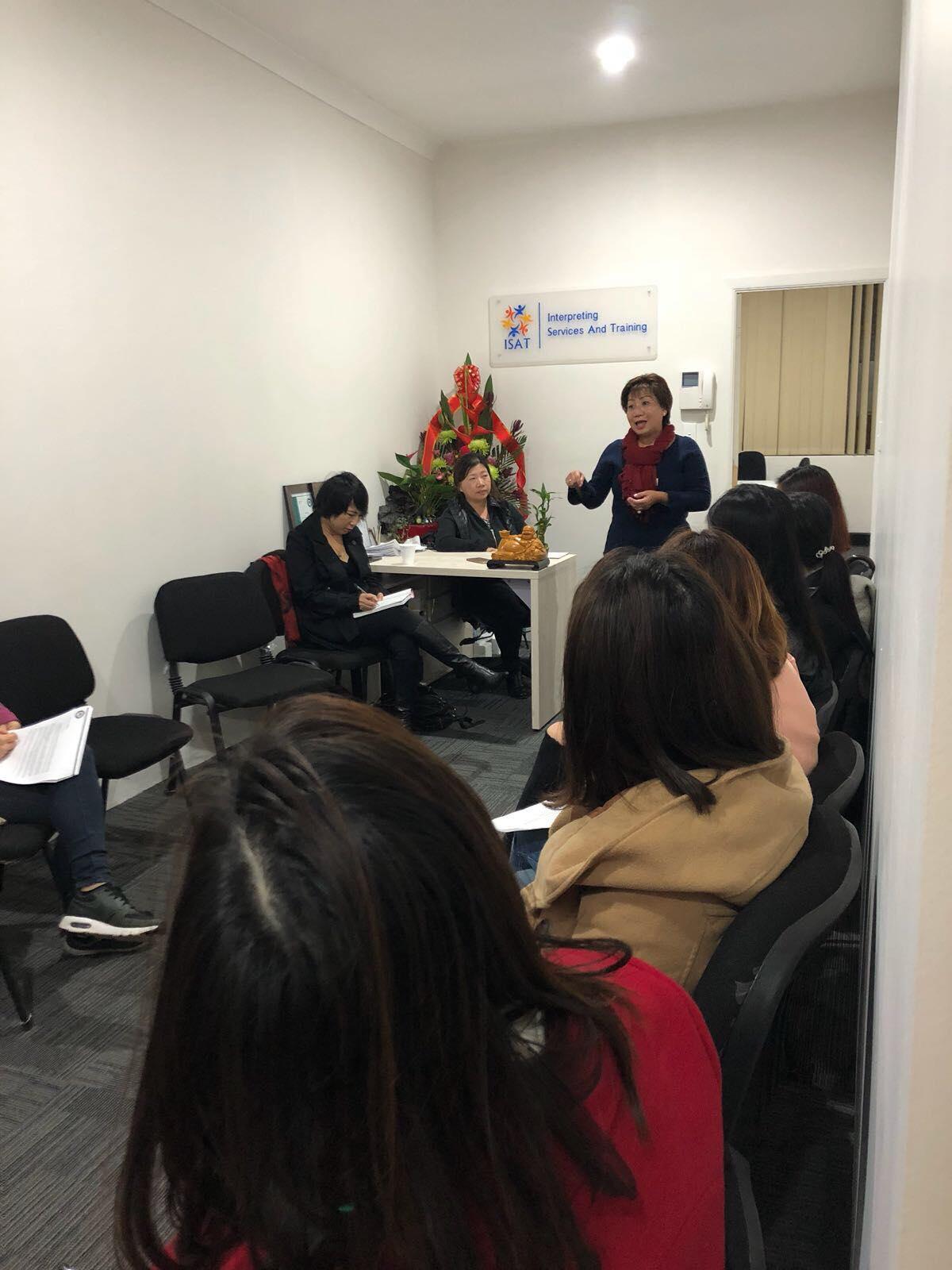 Lớp học CLL cô Thu Hua2 - Cách thêm 5 điểm vào hồ sơ quốc tịch Úc dễ dàng với bài thi NAATI CCL 2018