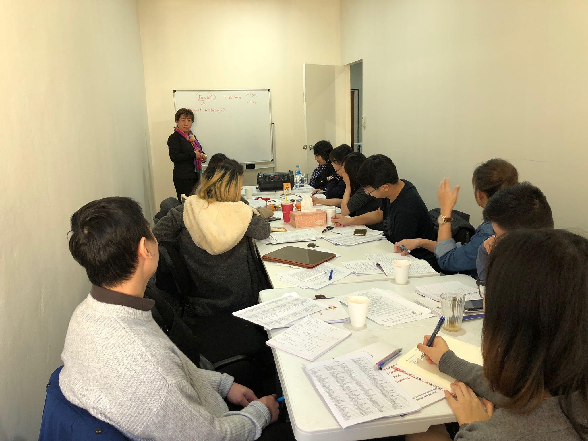 Lớp học CLL cô Thu Hua3 - Cách thêm 5 điểm vào hồ sơ quốc tịch Úc dễ dàng với bài thi NAATI CCL 2018