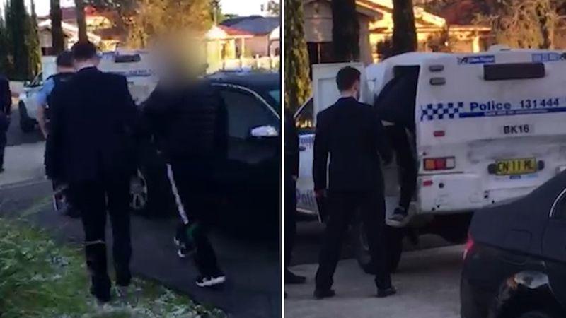 http 2F2Fprod.static9.net .au2F 2Fmedia2F20182F072F162F112F262FCannabis arrest split - Sydney: Bắt giữ nhóm tội phạm trồng cần sa trái phép trị giá lên đến $6.2 triệu