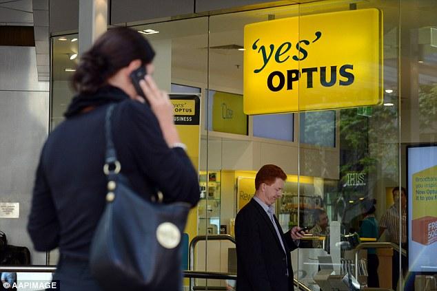 Optus slashes 440 jobs