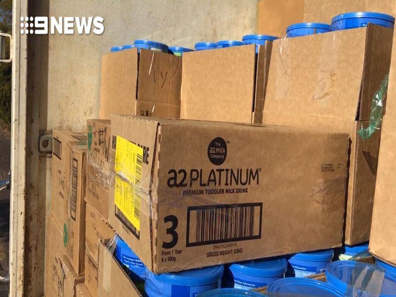 http 2F2Fprod.static9.net .au2F 2Fmedia2F20182F082F232F162F212F180823RAWBABYFORMULASTILL6 - Sydney: Bắt giữ kẻ trộm cắp và buôn lậu 4000 hộp sữa trẻ em