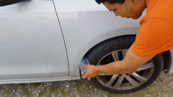 Plastic Bottles in Wheel Wells to Carjack People